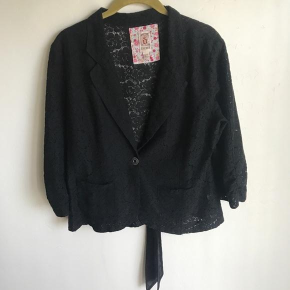 Decree Jackets & Blazers - Decree Black Lace Short Jacket One Button Size L